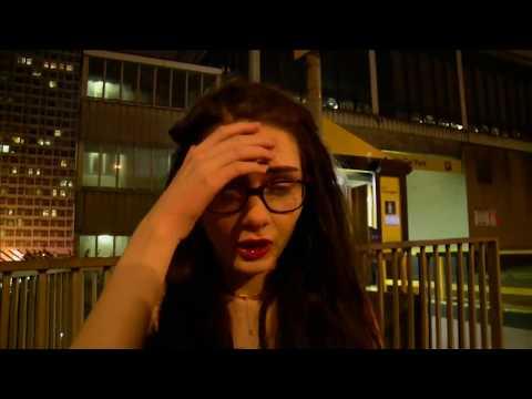"""Augenzeuginnen in Manchester: """"Sehr laute Explosion - dann gerieten alle in Panik"""""""