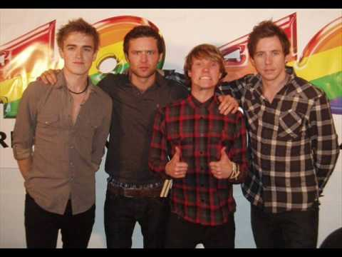 McFly calls the spanish radiostation Los40 for some big news