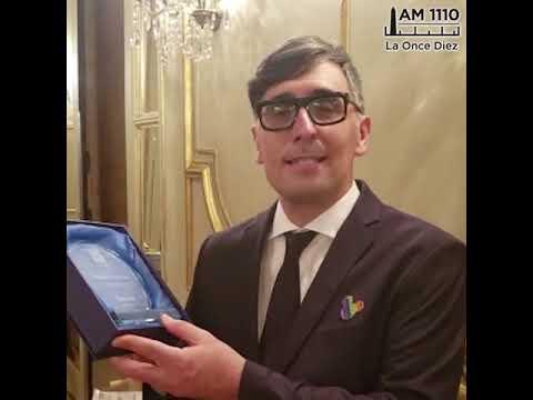 "<h3 class=""list-group-item-title"">Premio a Franco Torchia y No Se Puede Vivir del Amor</h3>"