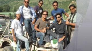 TANVEER AHMED WITH HIS FRIENDS IN CHASKA HAI YAARA NU......................wmv
