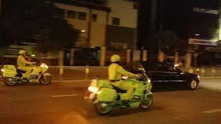 BMW-R1100RT của CSGT phải hụ còi, xe cứu thương nhường đường - When Ambulance give way for convoy