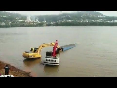 Heavy Equipment Operator Trucks in Deep Mud Recovery & FAILS