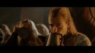 Леголас и Гимли соревнуются, кто больше выпьет