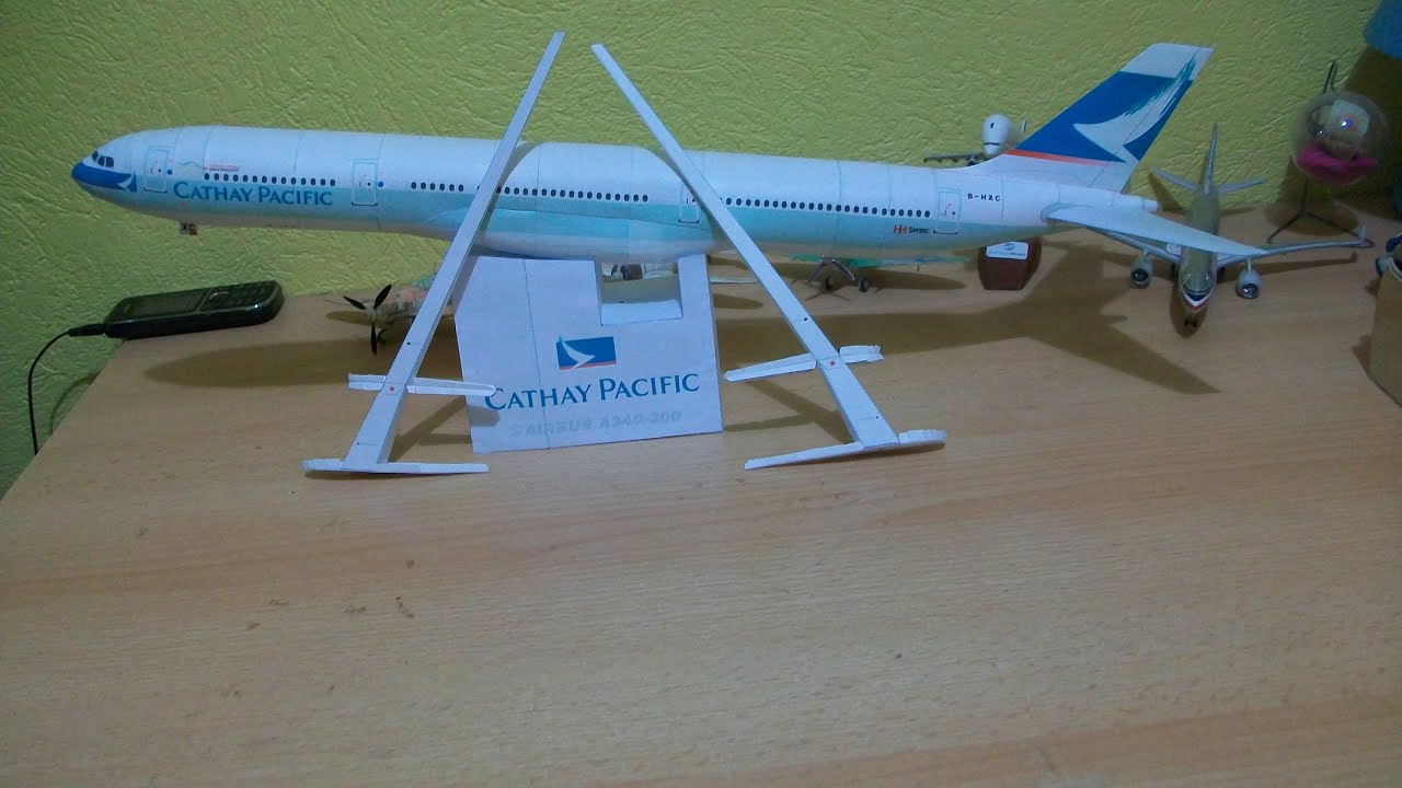 Papercraft Cathay pacific A340 300 Papercraft