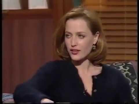 """Gillian Anderson """" i told David in his trailer that I was pregnant"""""""
