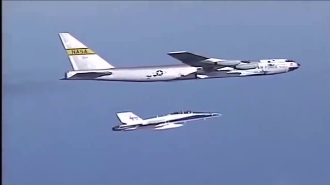 世界上最快的飛機,時速11265公里,大約是音速的10倍 - YouTube