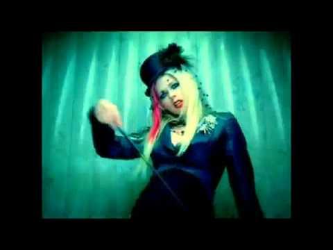 Avril Lavigne- Bad Girl (FT. Marilyn Manson) Music Video
