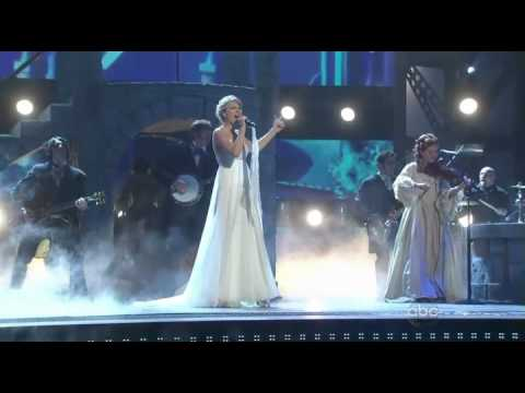 Taylor Swift - Love Story ( Live ) En Vivo