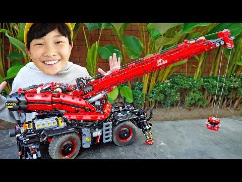 예준이의 크레인 장난감 조립놀이 포크레인 구출놀이 Crane Car Toy Assembly