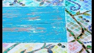 Como reciclar una mesa con imitaciones de mosaicos y efectos desgastados
