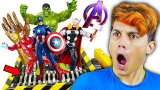 VINGADORES vs TRITURADOR ATÔMICO DO THANOS