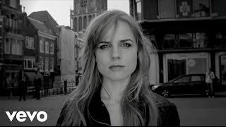 Watch Ilse Delange The Great Escape video