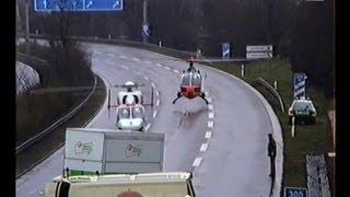 MVA / Unfall: POLIZEIHUBSCHRAUEBR BEHINDERT RETTUNGSHUBSCHRAUBER, 1992.