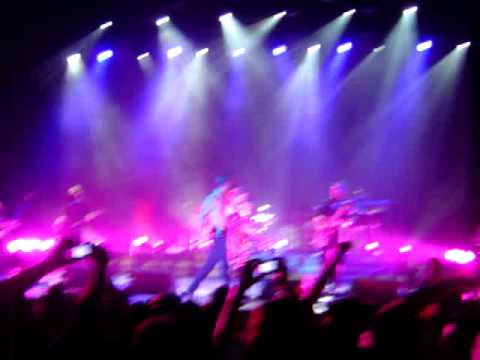 Scissor Sisters in Lisbon - ''land of a thousand words''
