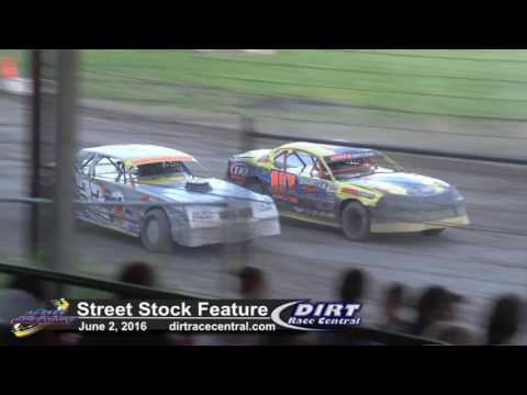 KRA Speedway 6/2/16 WISSOTA Street Stock feature battle for Second
