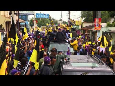 Bajo lluvia: Villa Riva se moviliza para celebrar junto a Danilo conquistas obtenidas en su gestión
