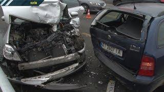 У Києві на Броварському шосе сталася потрійна ДТП