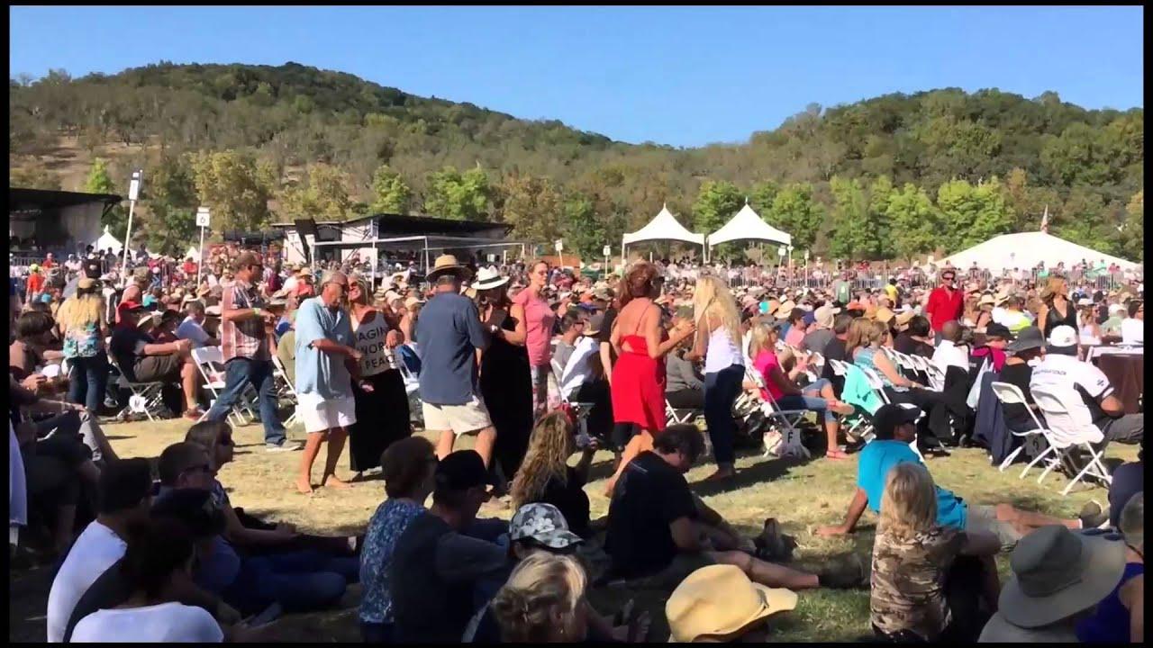 Sonoma Music Festival B R Cohn Charity Events October 4 6 2017 Wine Sisterhood