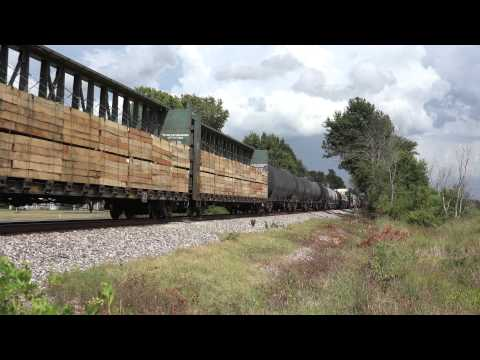 KCS SD70MAC #3930 Leads a freight at Holly Ridge, Louisiana
