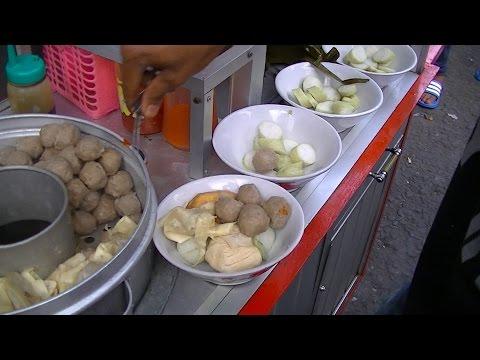 Jakarta Street Food  687  Malang Meat Ball Cake Rice Bakso Lontong Khas Malang BR TiVi 5238