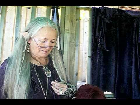 Dancing Hands and Linda Ravenscroft
