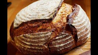 Спельтовый цельнозерновой хлеб на ржаной закваске