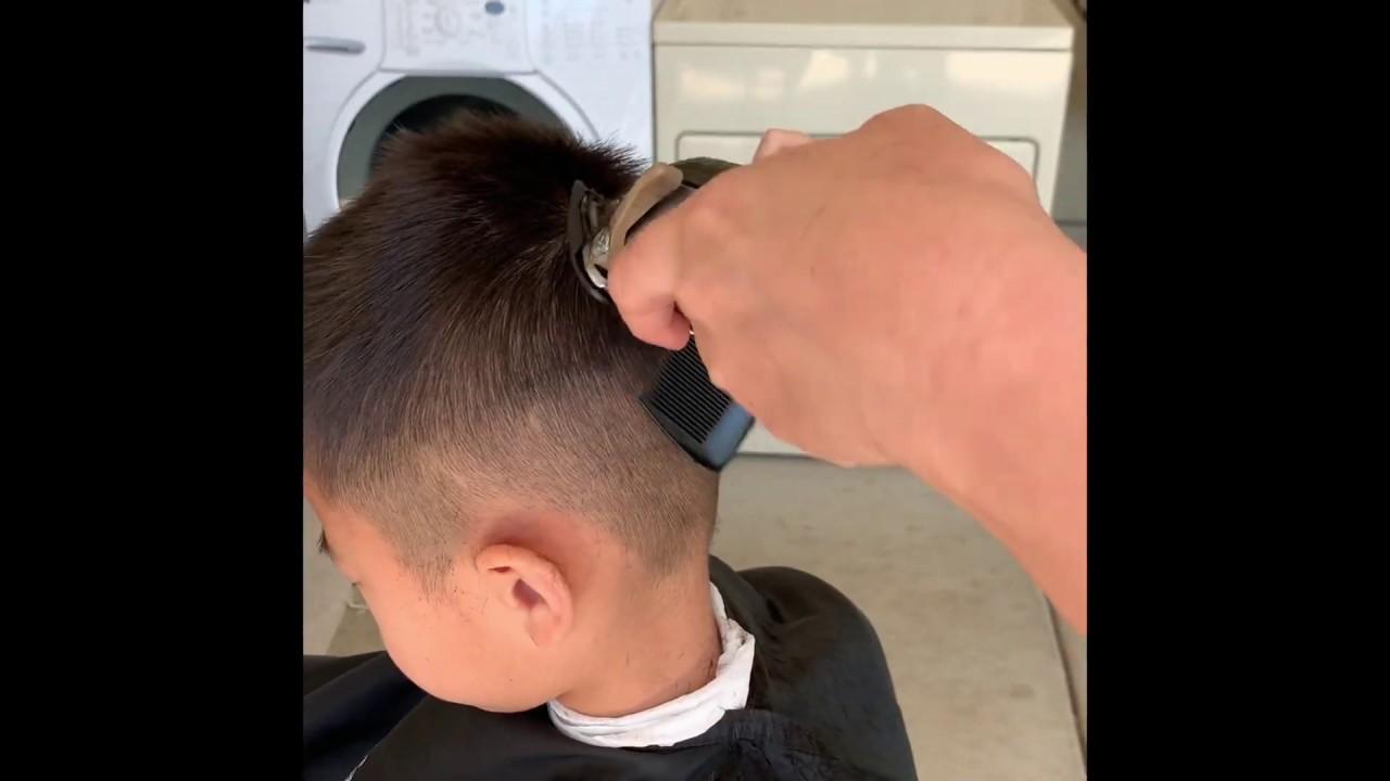 Hướng dẫn chi tiết cắt tóc nam tại nhà trong mùa dịch Covid 19   Khái quát những nội dung về day cat toc nam chuẩn nhất