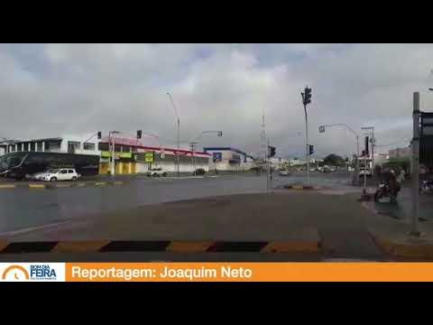Trânsito: Buraco em retorno na Avenida João Durval