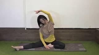 肩こりにも腰痛にも! 体側と内ももを伸ばす運動