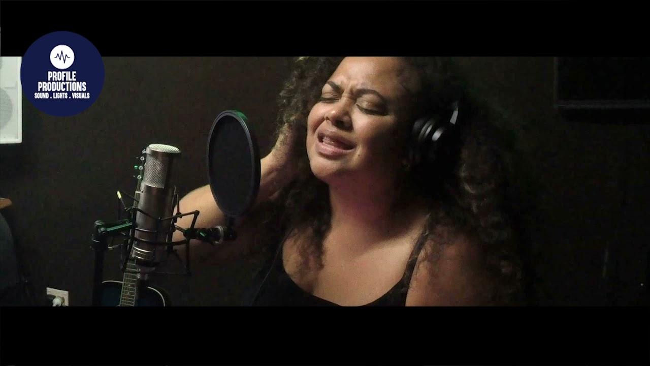 Download Natalie Raikadroka - Ciqomi Au (Cagi Ni Delaiyatova COVER)
