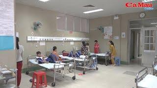 Khánh Bình: 89 học sinh nhập viện nghi do ngộ độc nước súc miệng
