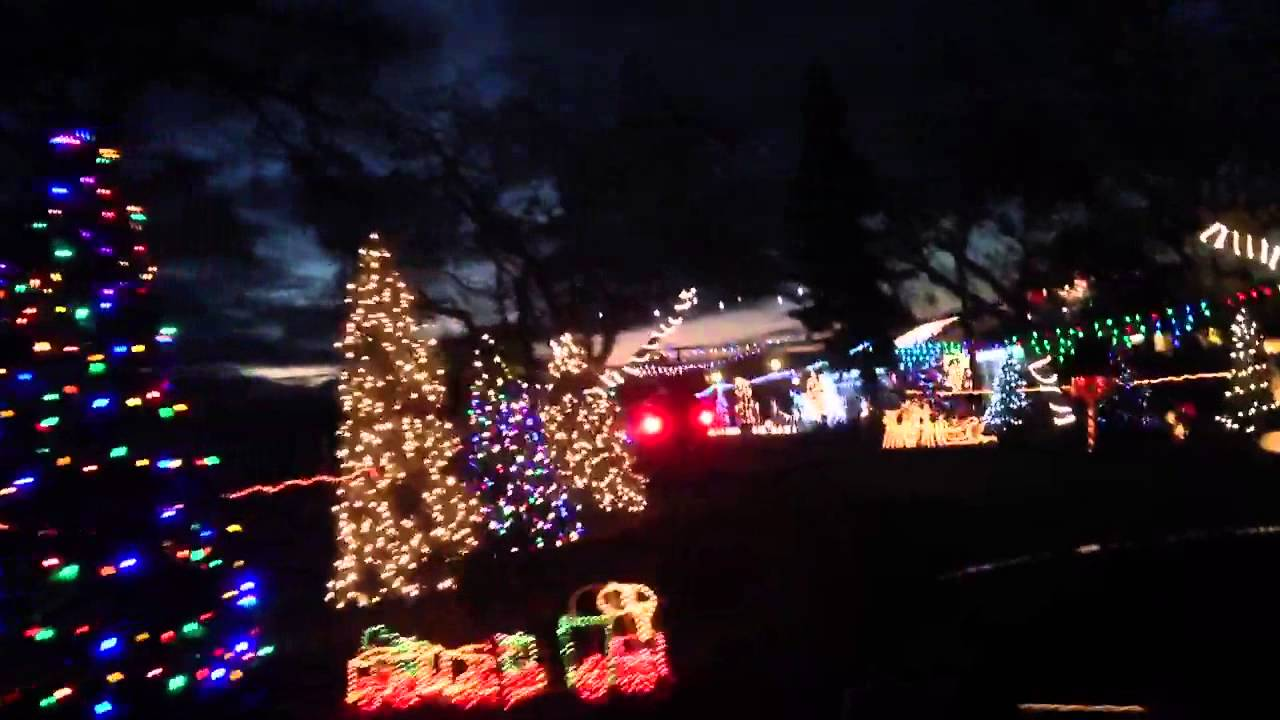 Christmas Lights at Kuper Family of Tulare California - YouTube