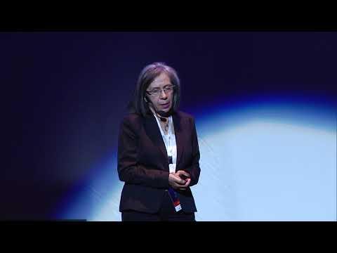 Μια στιγμή... | Vassiliki Danelli-Mylona | TEDxPatras