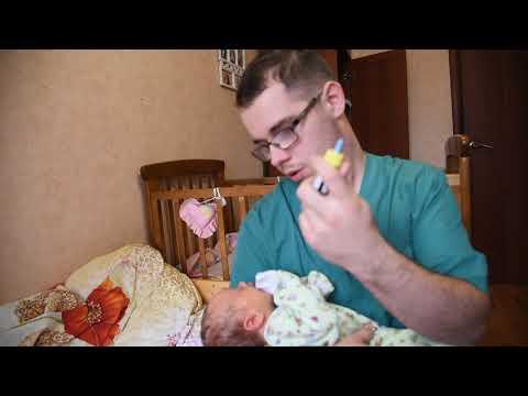 что делать, если у новорожденного ребенка насморк ? первая неделя, месяц
