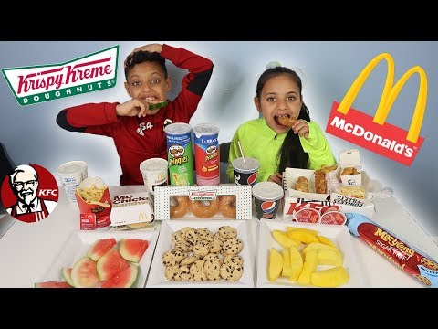TRY NOT TO EAT VS MY SISTER!! MCDONALDS CHALLENGE!!