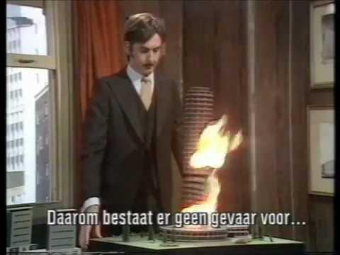 Monty Python - The Architect Sketch [Dutch Subs]
