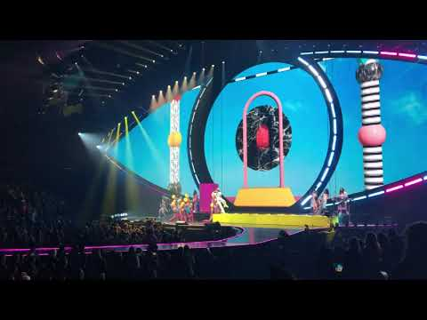 Katy Perry @ Scottrade Center - St. Louis, MO 10/22/17 highlights