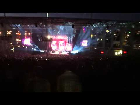 Rockstar - Nickelback live in Toronto 2012