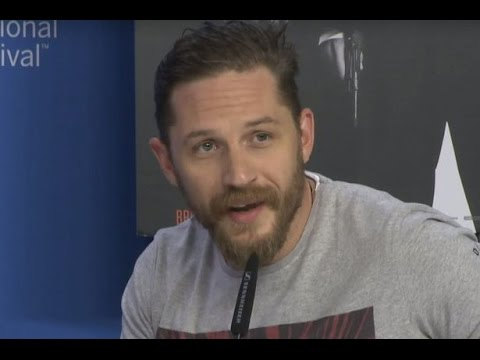 Tom Hardy shuts down a reporter for asking about his sexuality