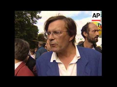 FRANCE: PARIS: TEACHERS GO ON STRIKE OVER JOB CUTS & OVER CROWDING