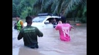 Thai cave rescuer rescued after he became stranded in flood