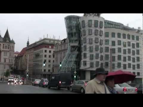 Praga, Dancing Building (por Lucho, un amigo)