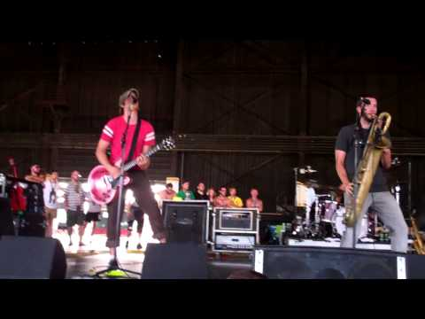 streetlight-manifesto-intro-would-you-be-impressed-warped-tour-chicago-2012-undertheurbanrainbow