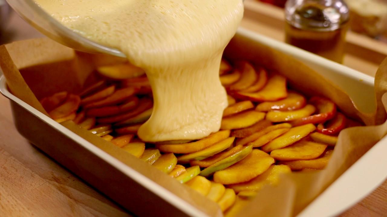 Prajitura cu mere caramelizate si bezea