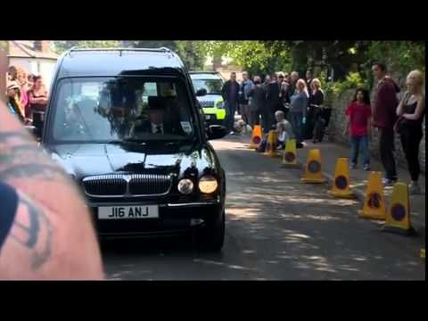 Peaches Geldof's coffin arrives at church as mourners gather at her funeral   Mail Online mp4