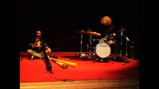 PRIMITIVE FIELD - jazz atmosphere amazing drum and magic didjeridoo