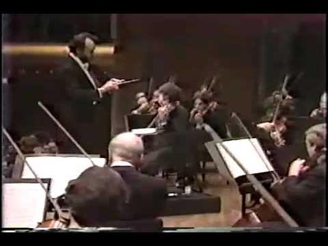 Itzhak Perlman plays Mendelssohn Violin Concerto finale.