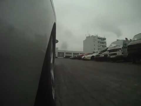 studiotour action concept - schleuderfahrt mit stunt-fahrer