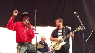 Robert Finley with Dan Auerbach live at The Growlers Six music festival - Medicine Woman