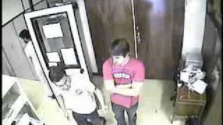FunnyTimes - Pedro e Roberto capturados pelo sistema de segurança dançando salsa (LARA/UnB)
